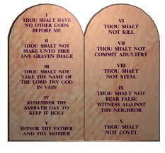 Les 10 commandements et la morale.